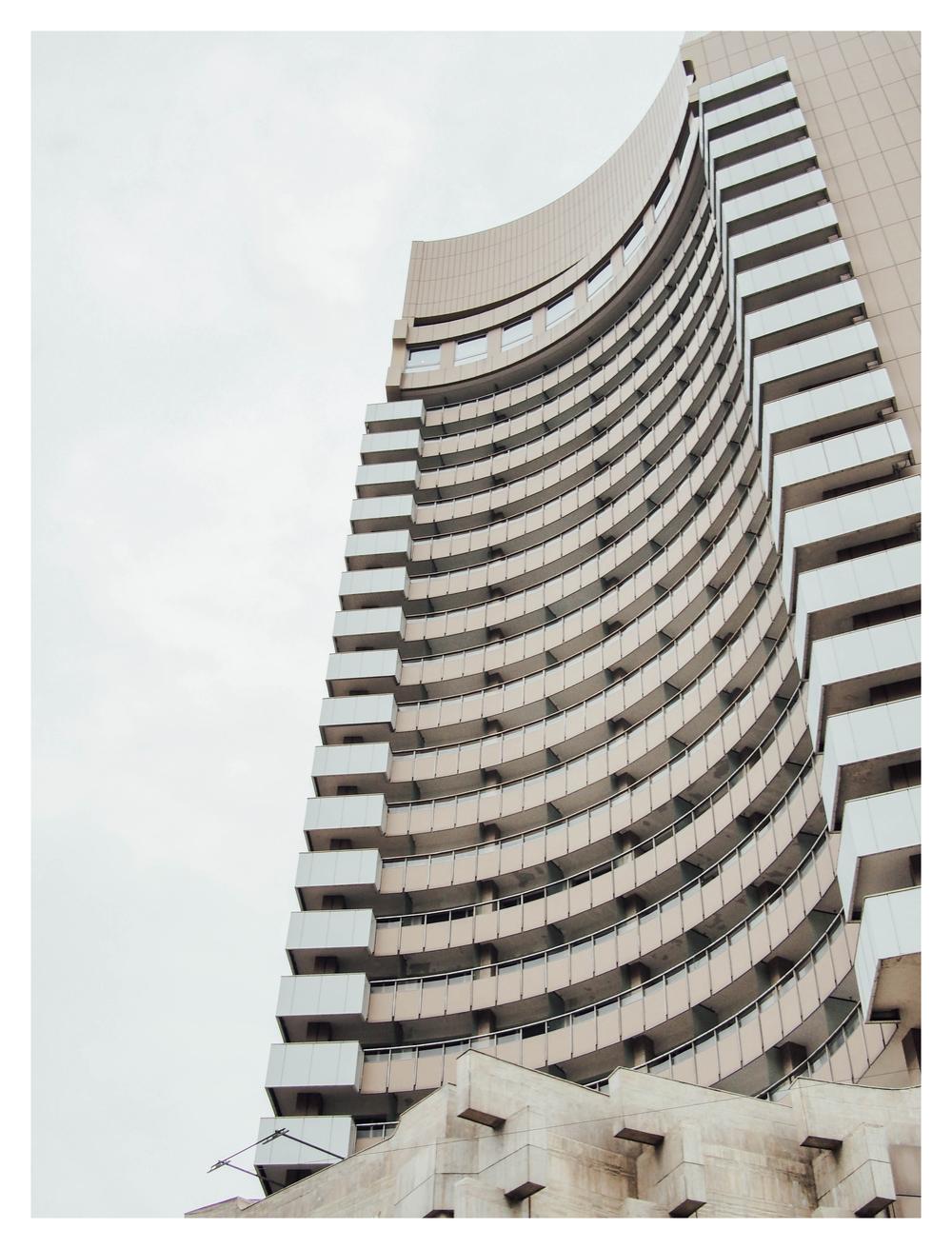 curved_building.jpg