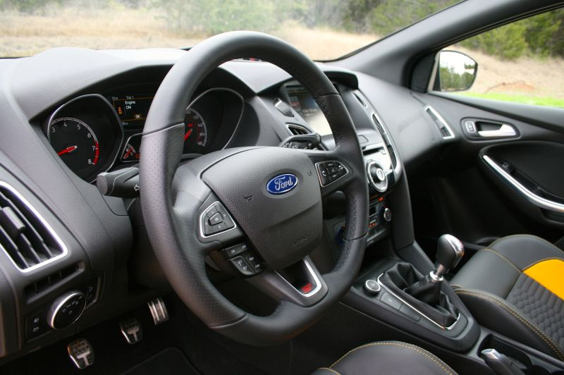 ford focus st lease guide 308 month 0 down meh. Black Bedroom Furniture Sets. Home Design Ideas