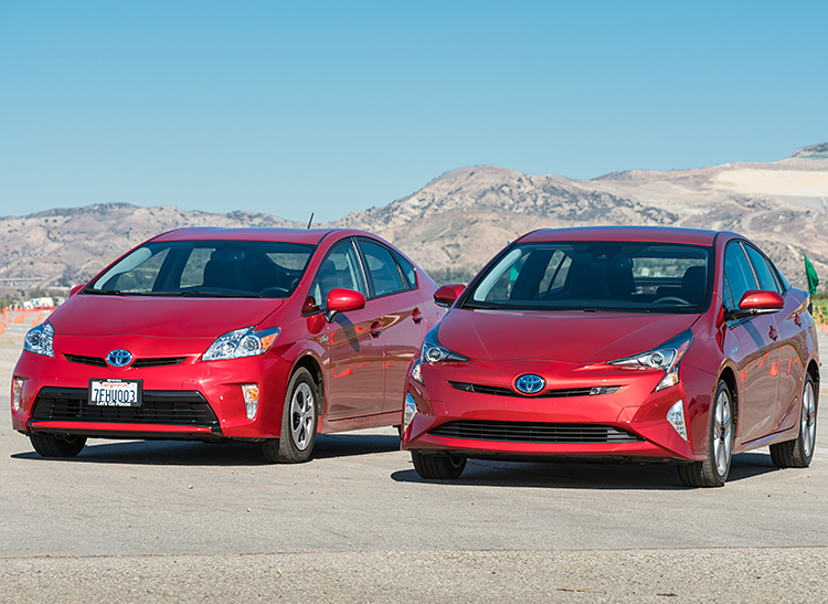 2015 Toyota Prius next to a 2016 Toyota Prius (consumerreports.org)
