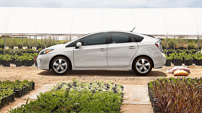 Epic Leftovers Part Grads Lease The Outgoing Prius For - Toyota prius lease deals los angeles