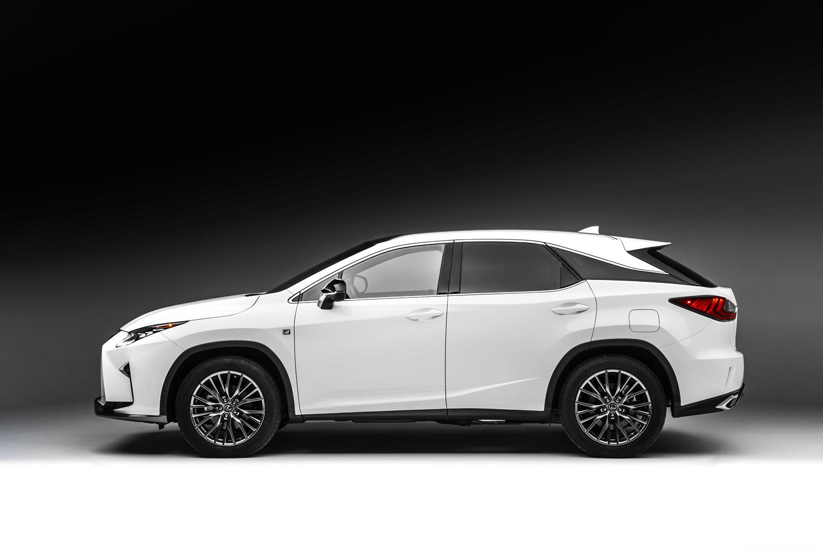 How much does it cost to lease a lexus