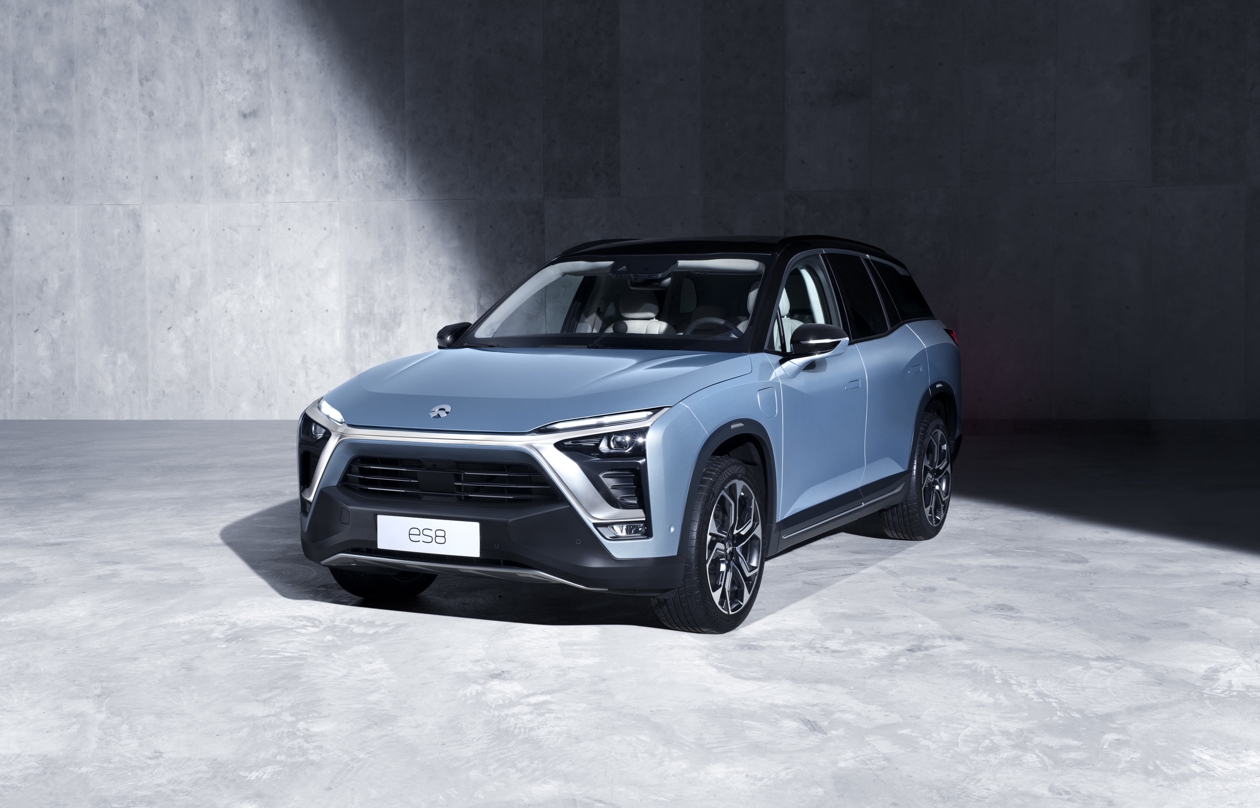 Off Ramp We Drive The 643 Hp Electric Nio Es8 Suv Leasehackr