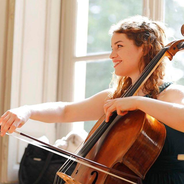 Joyeux Anniversaire @hagen__julia ! #juliahagen ©@ingesonradio #rayon #de #soleil #violoncelliste #violoncelle #cello #classical #artist