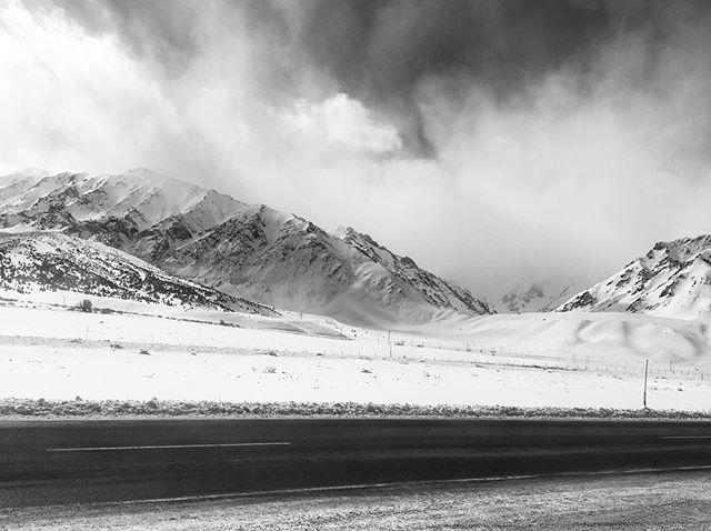 Mammoth last week was amazing. #mammothmountain #snowboarding #winter #mountain #snow #bnwphotography #bnw