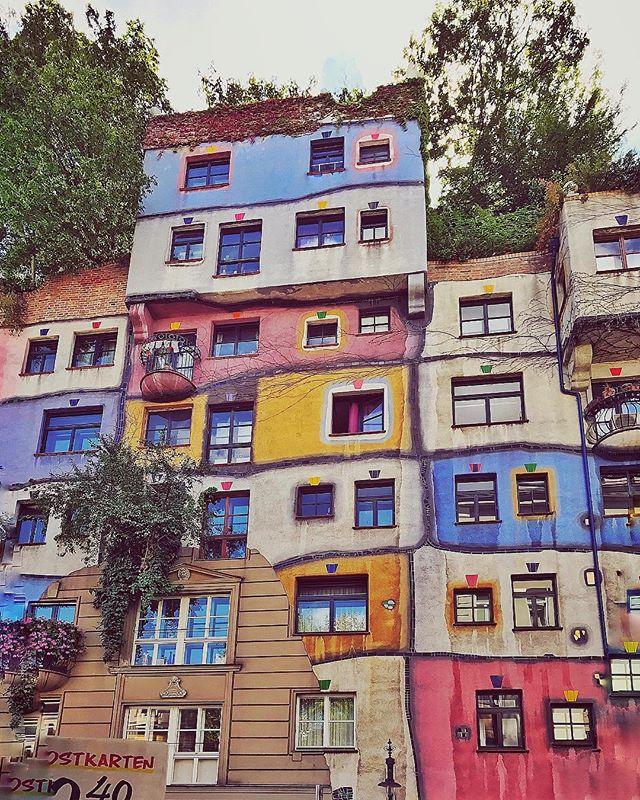 Old school lego house ? #hundertwasserhouse #vienna #austria #summer2017