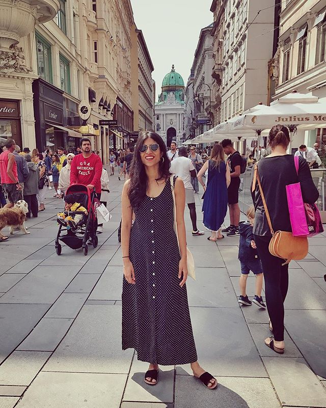I was told to act natural 🤷♀️ #vienna #austria #summer2017
