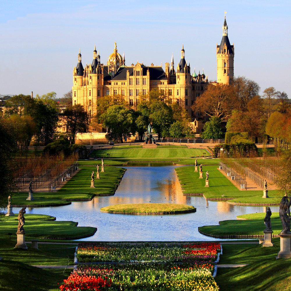 Schwerin_Palace_Park_Garden_Mecklenburg_Germany_Schweriner_Schloss_Garten_BUGA_2009.jpg