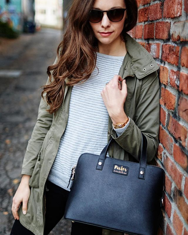 That classic street style tho 😍#parkerhandbags #concealcarry #dontftme 💪🏻 One of my favorites from working with @kylesford, more will be posted on my website VERY soon!