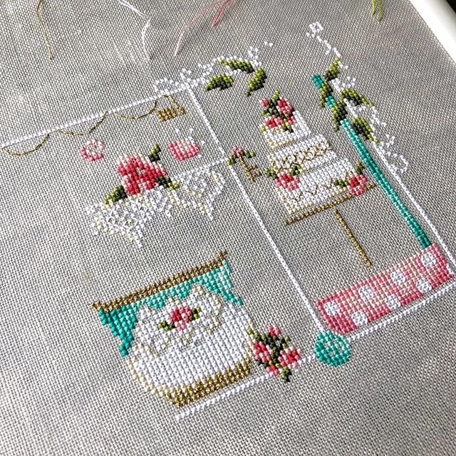 Don't miss this new design for the Nashville Market 2019! Just over a week left. Make sure you let your local needlework store or online retailer know about Tea Party, it is available through Dinky Dyes and is a hard copy exclusive for the month of March! . . #crossstitch #pointdecroix #crossstitchdesigner #crossstitching #nashvillemarket #shannonchristinedesigns #shannonwasilieff #xstitch #stitchersofinstagram #xstitching #kanaviçe #crossstitchpattern #crossstitchdesign #crossstitchteacup