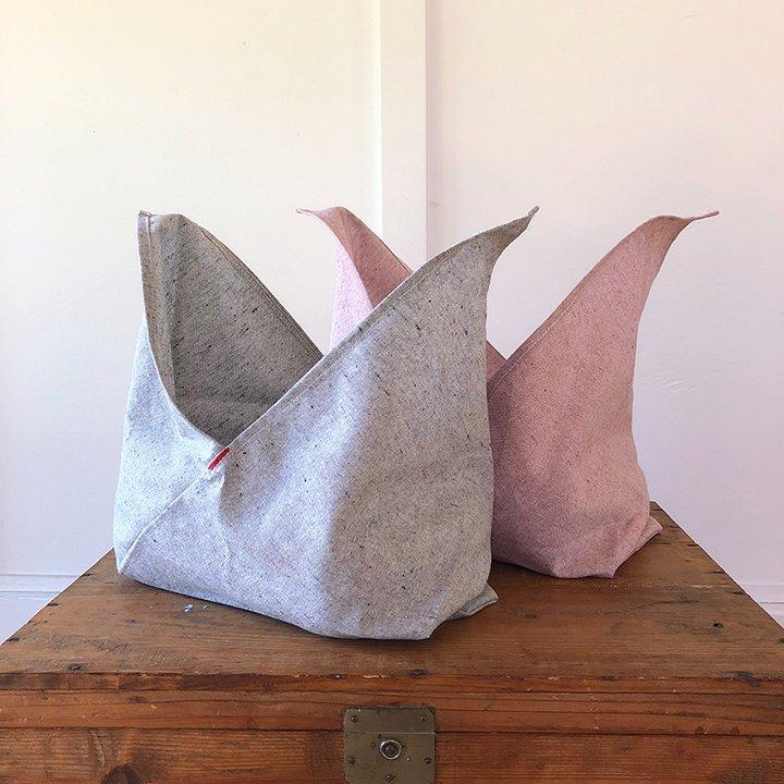 ambatalia_bento_bags-grey-pink.jpg