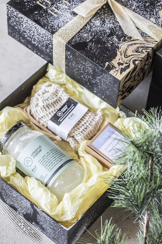 Coconut-Matter-Christmas-2017-WONDERBALM-$350-plastic-free.jpg