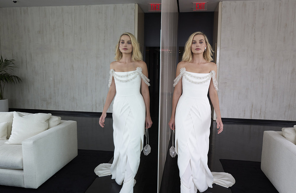 04_Last_fitting_in_Los_Angeles_with_Margot_Robbie_in_CHANEL_March_2nd_LD.jpg