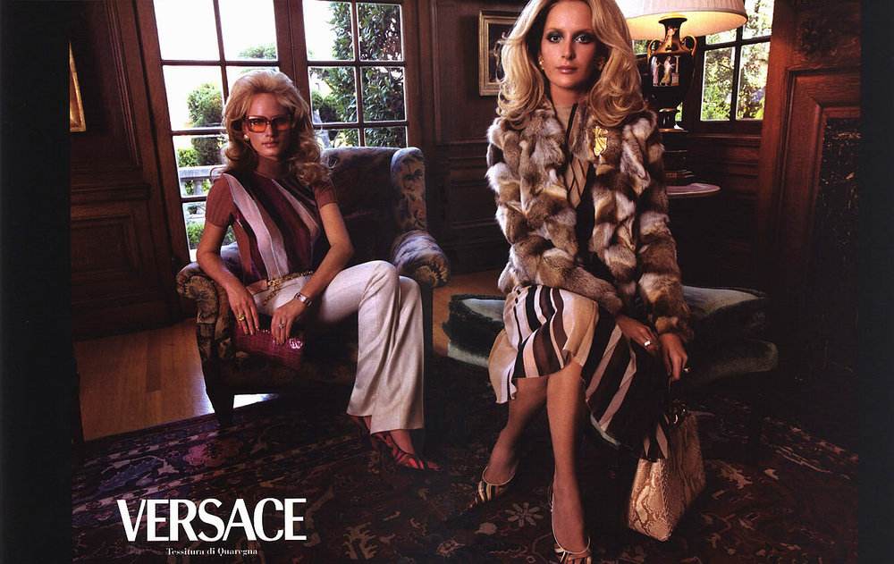 One of my favorite Versace campaigns shot by Steven Meisel. Fall/Winter 2000.