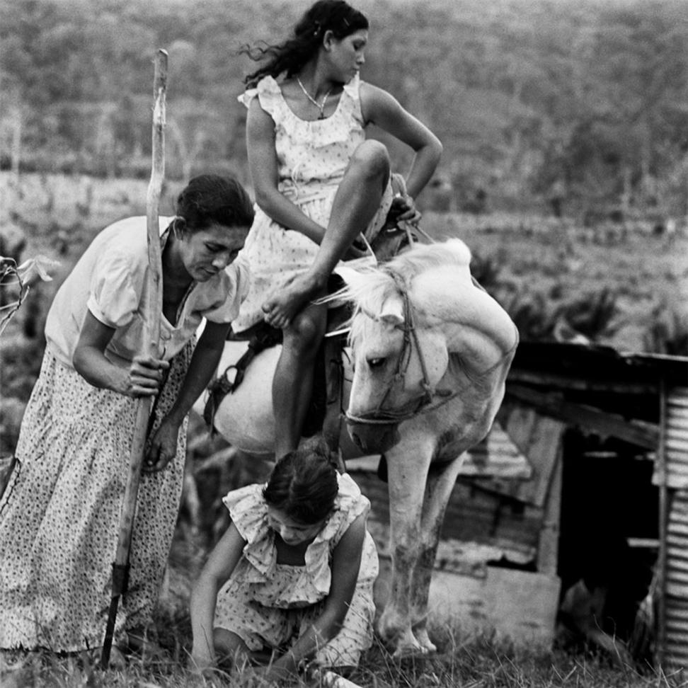 Siembra , de la serie:  Las campesinas  , c. 1976.