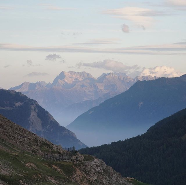 Italian Alps ~ Fall has begun ~ beautiful light, clear skies 🇮🇹#alps #travel #explore