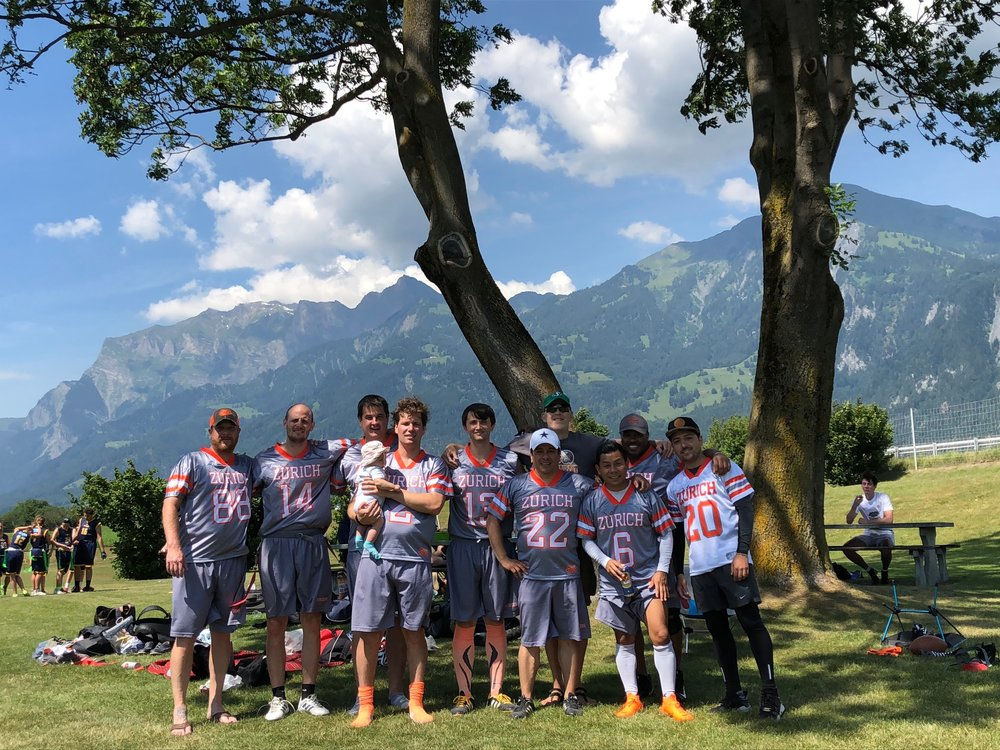 The Zurich Intruders chilling in their VIP lounge amidst the mountains and sunshine of beautiful Graubuenden.