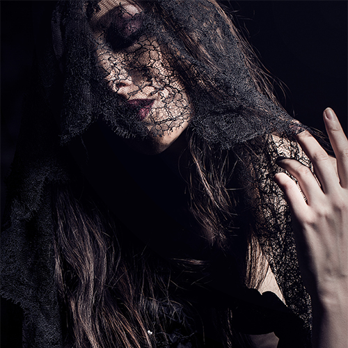 DARK BEAUTY INSPIRATION IN LX FACTORY