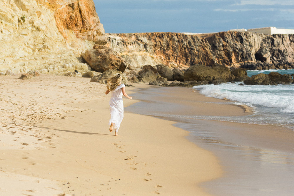 beach engagement film photography in Sagres in Algarve