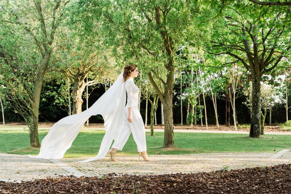 Modern-European-Wedding-Inspiration-Photography-Oporto-01.jpg