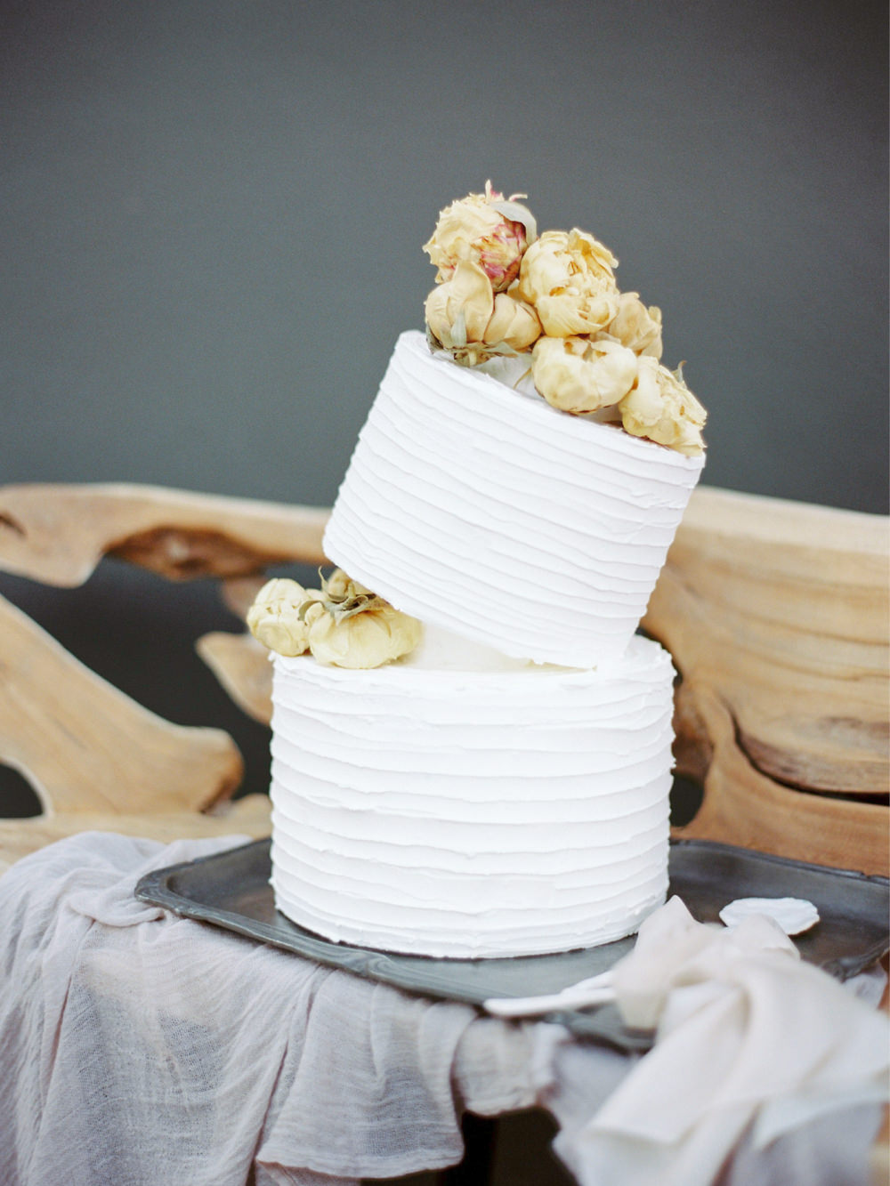 Modern-European-Wedding-Inspiration-Photography-Oporto-26.jpg
