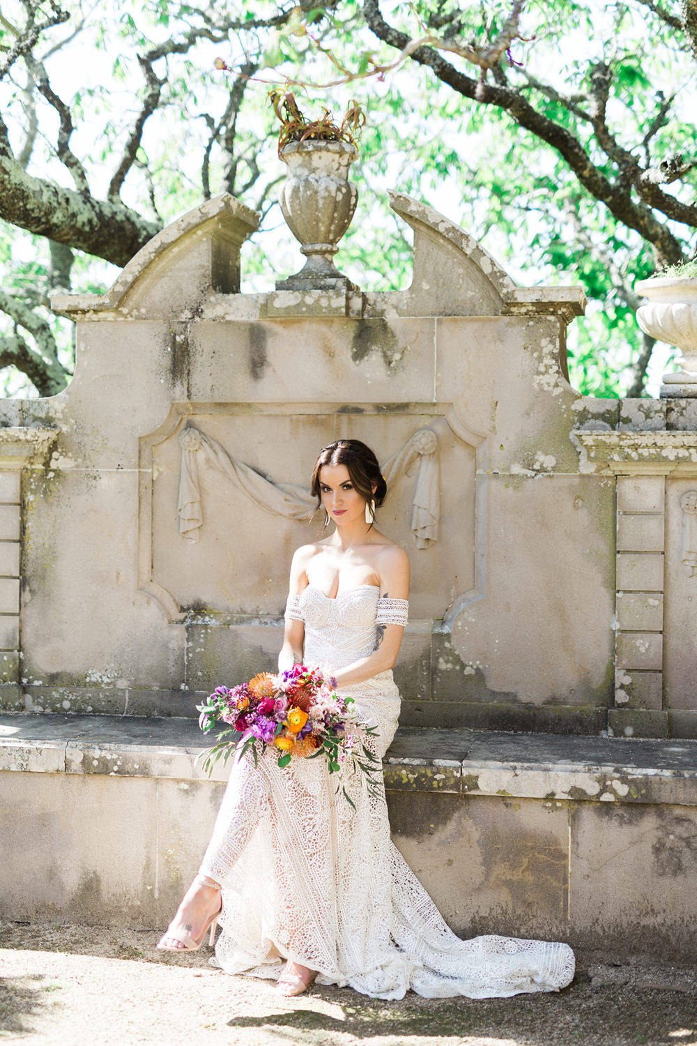 Bride Wedding Dress and Bouquet Pose in Elopement in Seteais Palace in Sintra