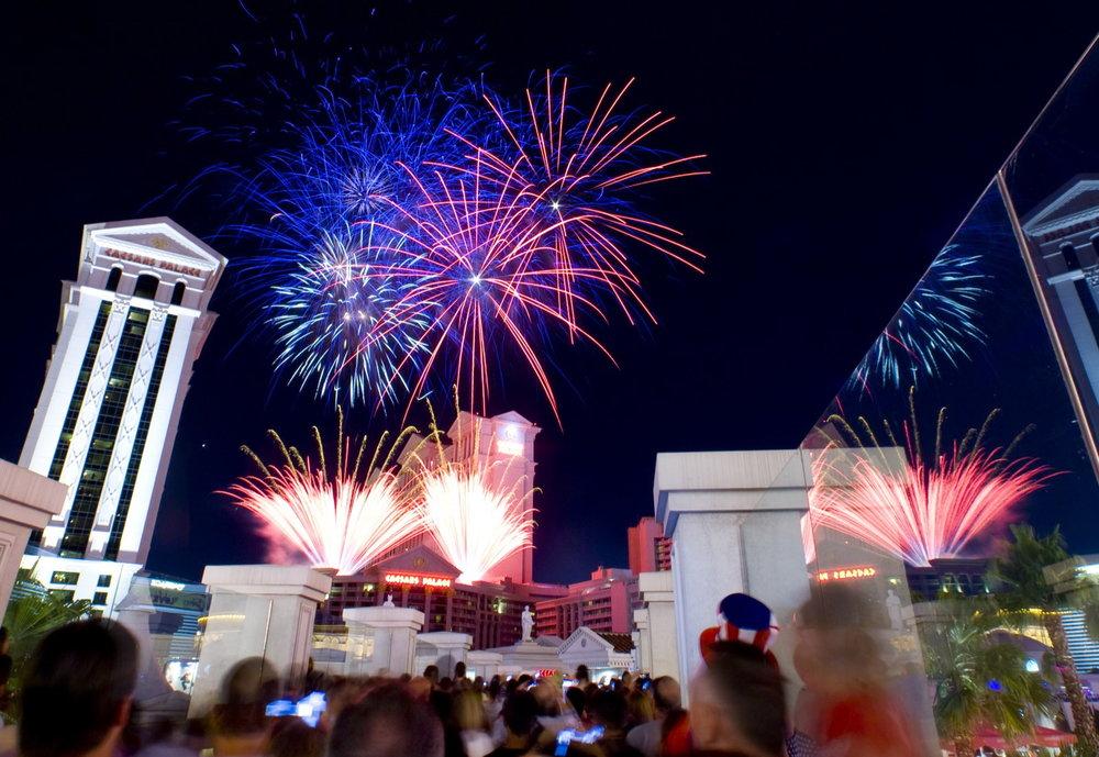 Caesers_0623_Sun_Fireworks.jpg