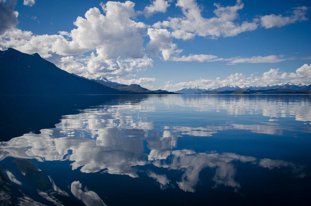 lake-430508_1920.jpg
