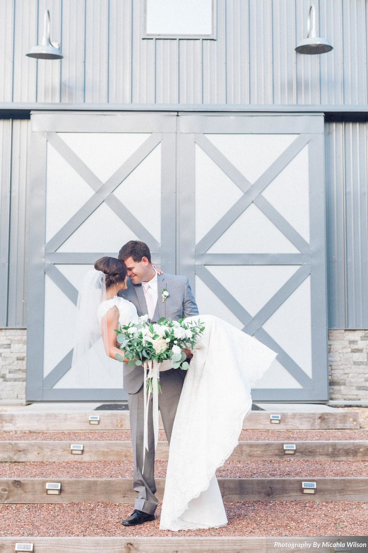 """Modern Southern Wedding"" - Ruffled Blog"