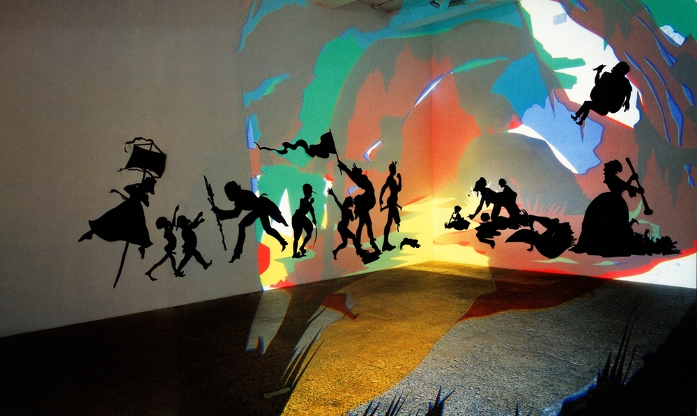 Kara Walker, Darkytown Rebellion, 2001, cut paper and projection on wall, 4.3 x 11.3m, (Musée d'Art Moderne Grand-Duc Jean, Luxembourg)