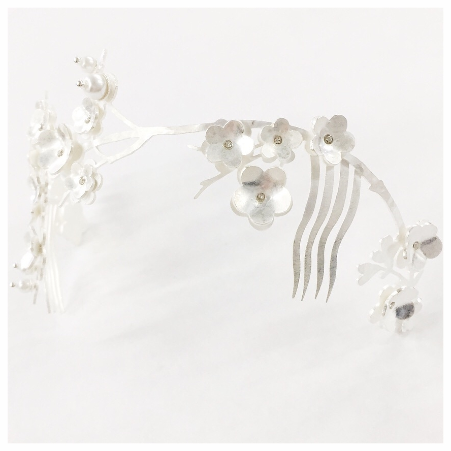Bridal hairpiece with Swarovski crystals and faux pearls (2018)
