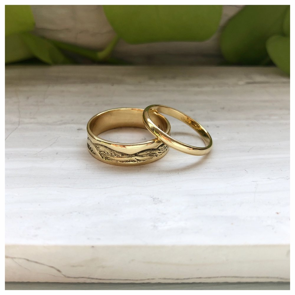 18k yellow gold wedding bands (2018)