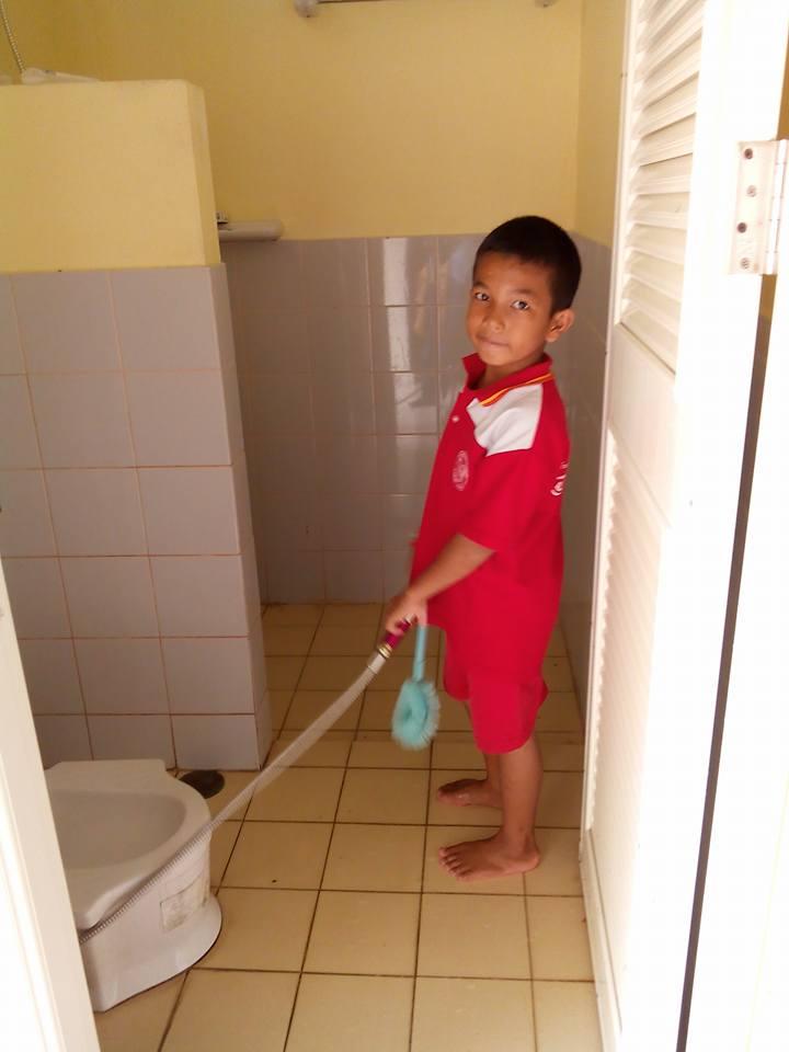 Toalettstädning 2.jpg
