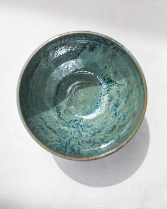 I'll be at @lennoxandharvey from 4-8 today selling some goodies for @firstfridayvh!! Come say 👋🏼 if you're on the island! #ceramics #pottery #handmadeceramics #handmade #potsinaction #wheelthrown #mv #marthasvineyard #glaze #madeinaskutt #clay #stoneware #skuttkilns #ceramicsaretrending #cremerging