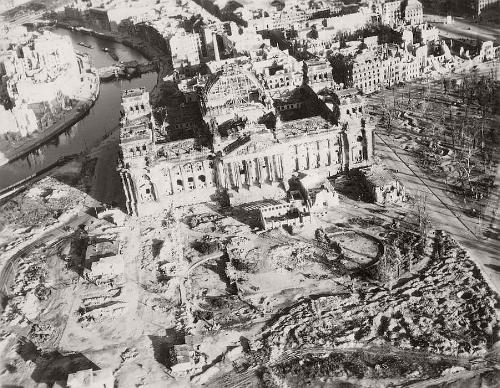 vintage-aerial-photos-of-berlin-germany-after-world-war-ii-1945-hein-gorny-09.jpg