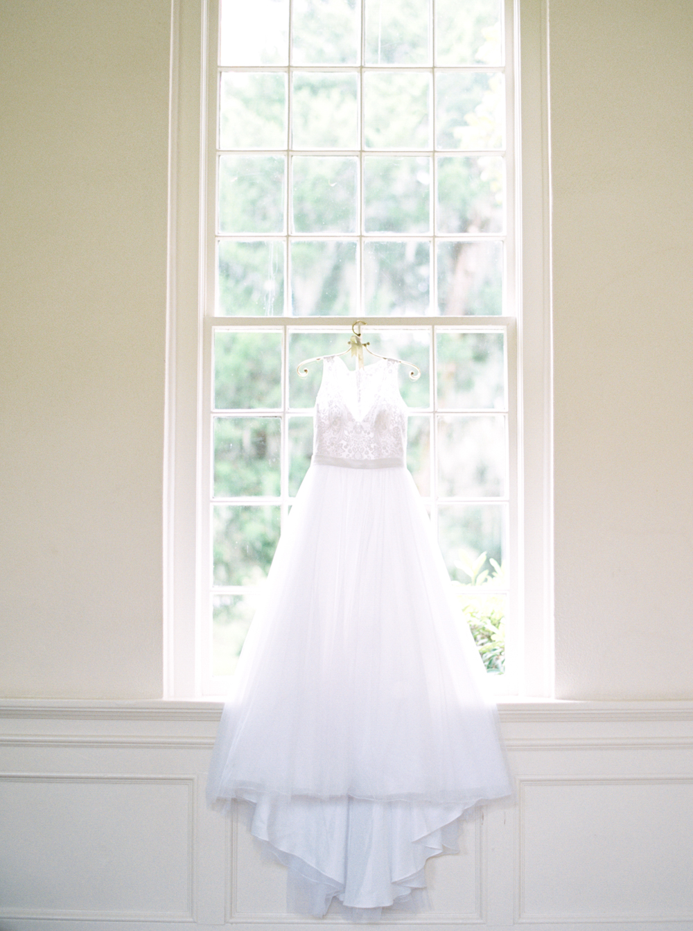 romantic-blush-tone-southern-savannah-wedding-the-happy-bloom