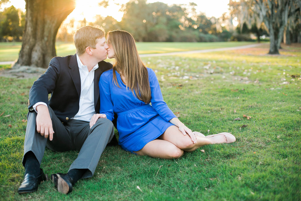 savannah-engagement-photos-golf-club