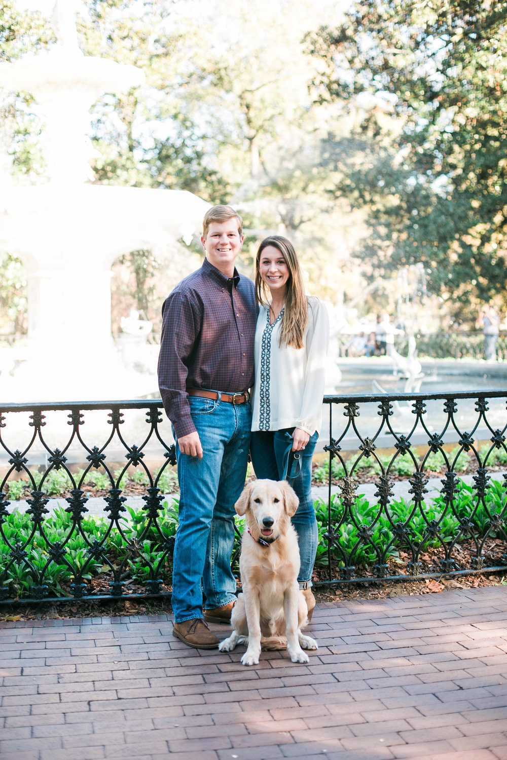 savannah-engagement-photos-with-dog