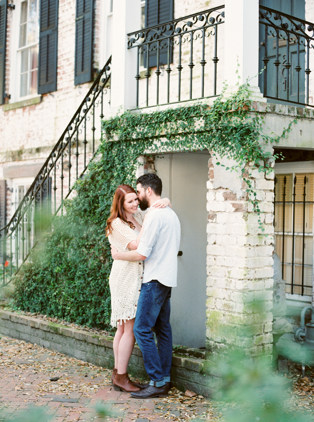 romantic-savannah-engagement