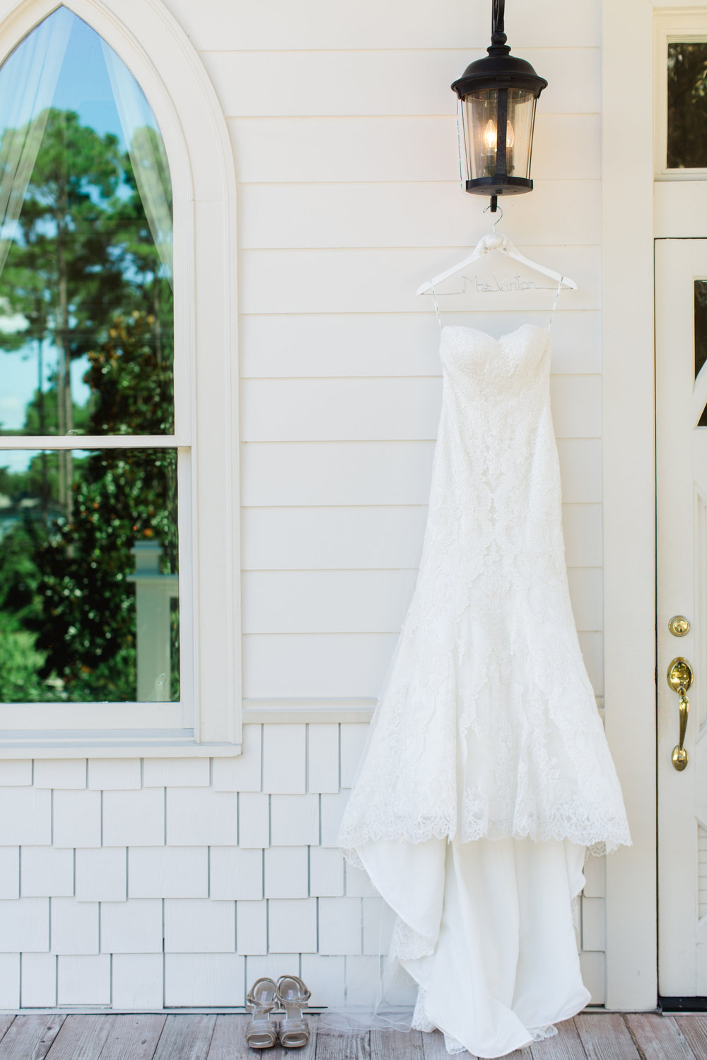 intimate-wedding-at-tybee-island-wedding-chapel-savannah-soiree