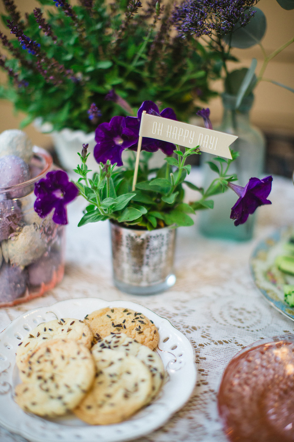 savannah-soiree-lavender-herb-inspired-bridal-luncheon-izzy-hudgins photography