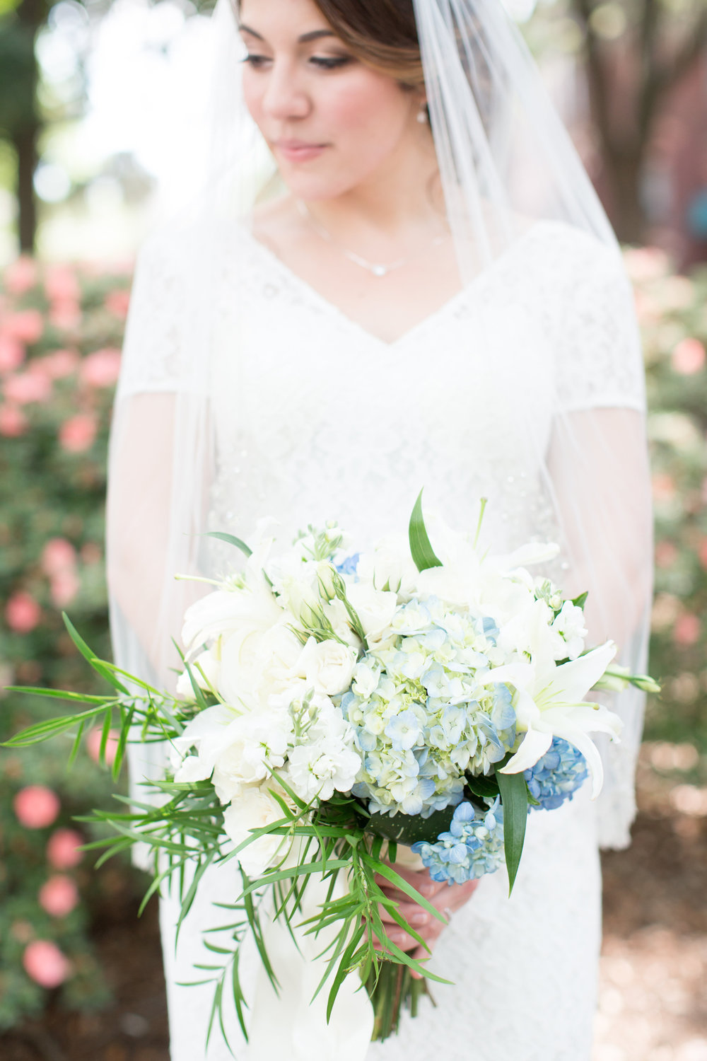 intimate-savannah-wedding-in-pulaski-square
