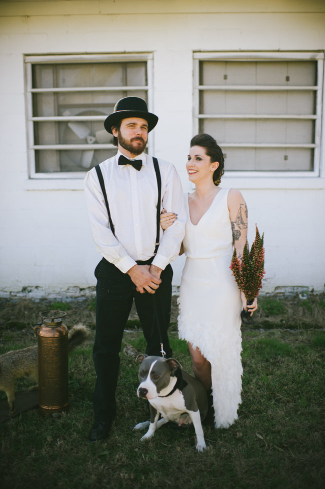 halloween-wedding-inspiration-ivory-and-beau-rach-loves-troy-photography