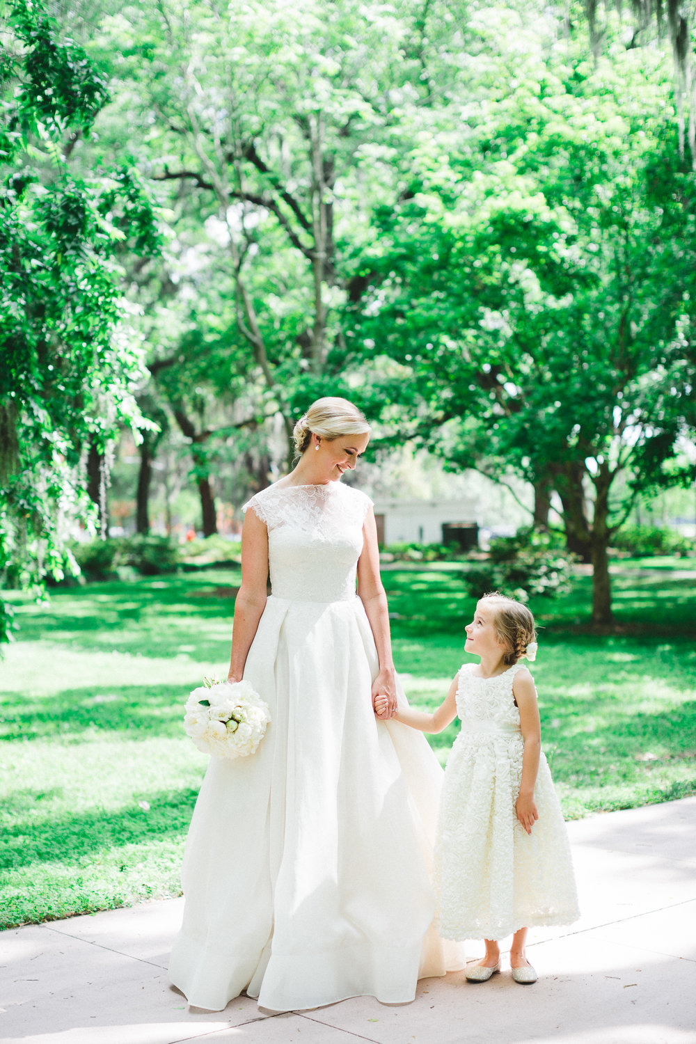 real-savannah-wedding-izzy-hudgins-photography