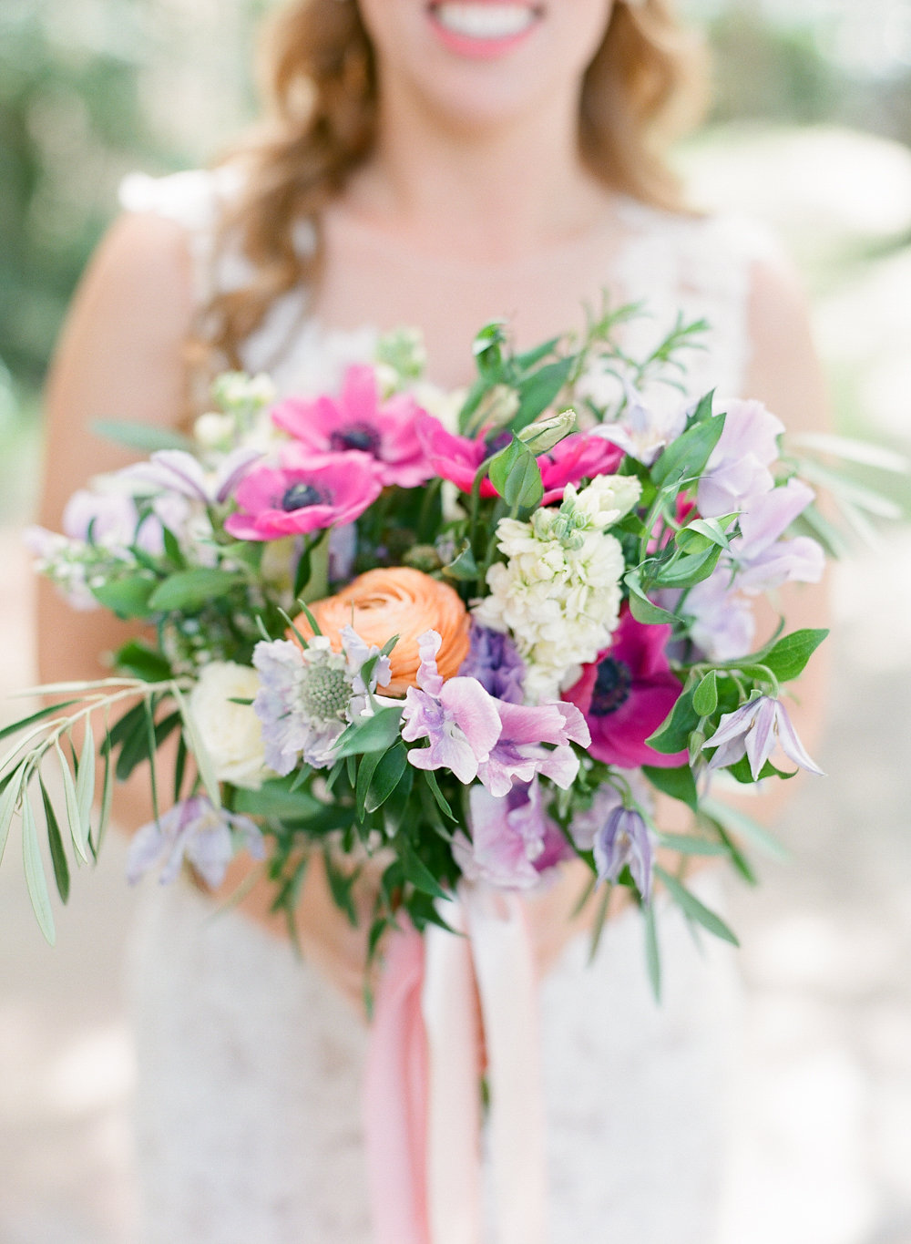 Bouquet by  Harvey Floral Designs  | Photography by  The Happy Bloom