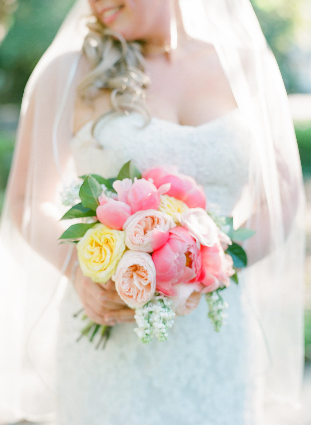 Bouquets by  Gray Harper Event Maker  | Photography by  Rach Loves Troy