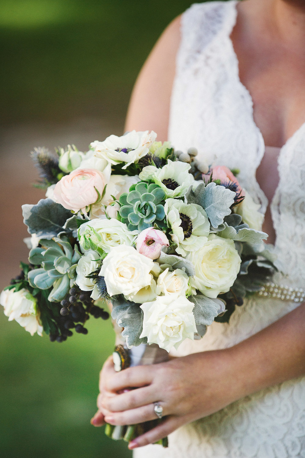 Bouquet by  Urban Poppy | Photography by  Izzy Hudgins Photography