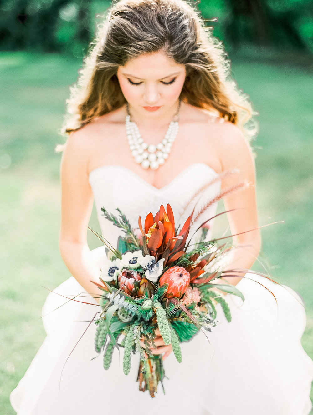 Bouquet by  Joann's Florist / Carlson's Premier Events | Photography by  Vitor Lindo Photography
