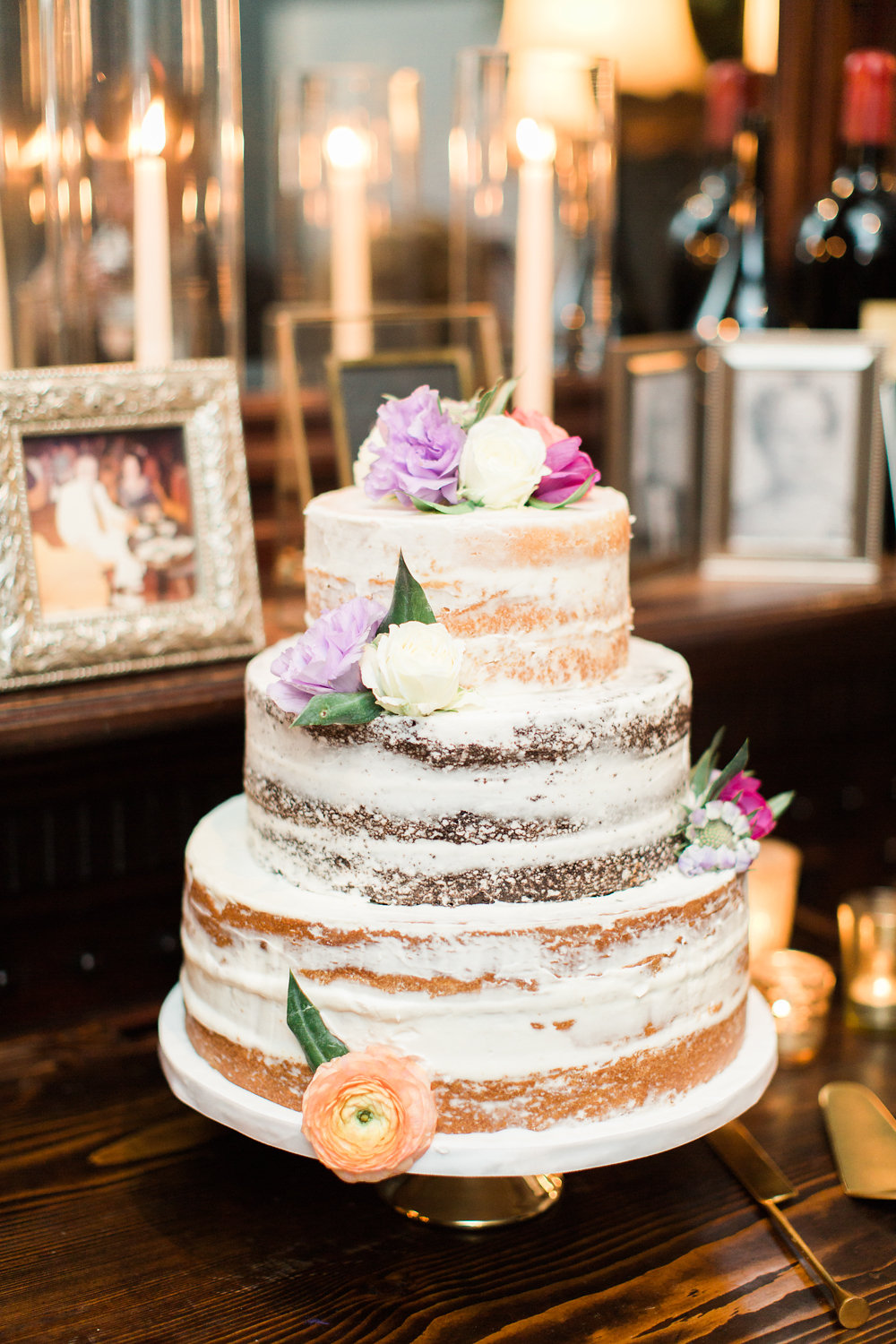 Cake by  KM Cake Design , Photography by  The Happy Bloom