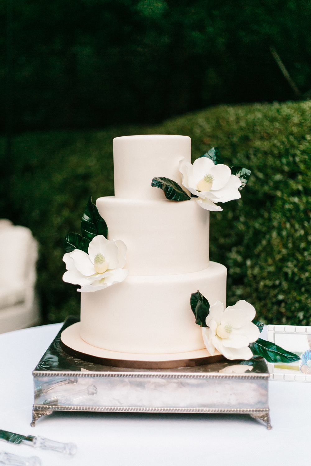 Cake by  Lowcountry Confections , Photography by  Mark Williams Studio
