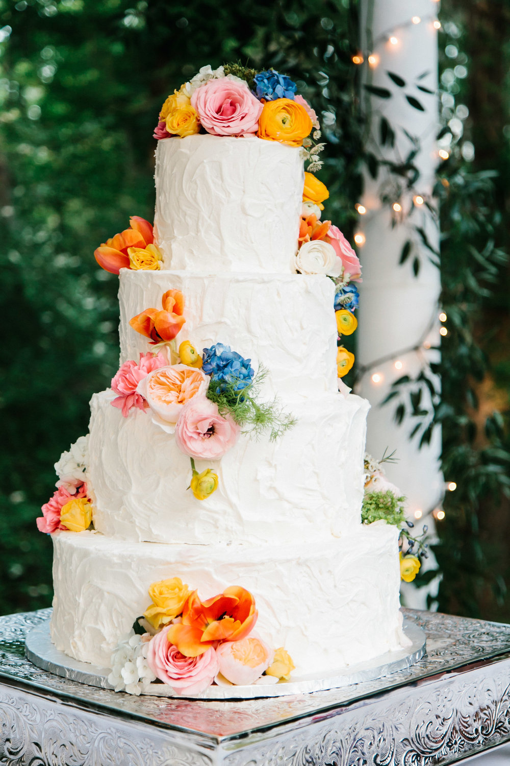 Cake by  Wicked Cakes of Savannah , Photography by  Mark Williams Studio